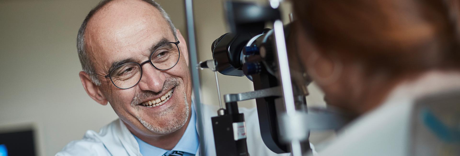 Prof. Kohlhaas ist Spezialist für Augen Lasern in Dortmund