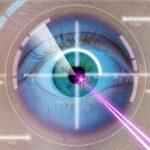 Mittels Laser werden Sehfehler im Auge korrigiert